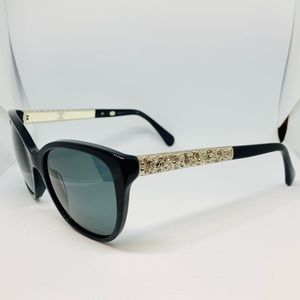 EUC CHANEL Polarized Navy Bijou 5299-B Sunglasses
